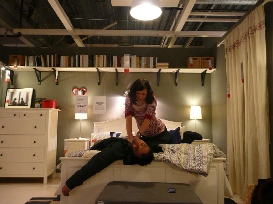 Johanna Kwiat [2011] Artemisia at IKEA. Photographic print (still from a mobile phone film), 32 x 24 cm.