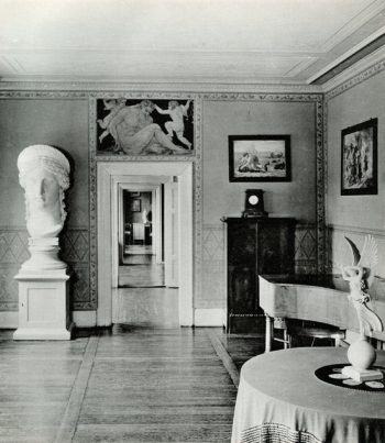 Juno Ludovisi plaster cast. Junozimmer, Goethe Haus, Weimar. Photo NFG Library and KG Beyer, Weimar 1975, plate 8.