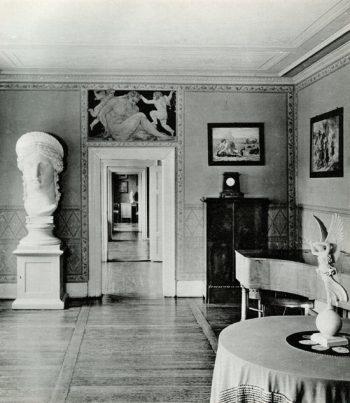 Juno Ludovisi plaster cast. Junozimmer, Goethe Haus, Weimar. Photo NFG Library and KG Beyer, Weimar 1975, plate 8.